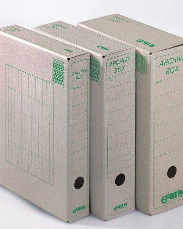 Box archivní plný 33x26x11 EMBA přírodní Papírová krabice z hladké ruční lepenky 1000 g / m2 Rozměr 33 cm x 26 cm x 11 cm Balení: 25 ks Pro formát: A4