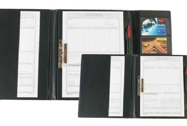 Desky A4 pro řidiče s rychlosvorkou Pevné trojdílné desky pro řidiče. -desky mají uvnitř kapsu pro uložení dokumentů a kapsy na CCS kartu