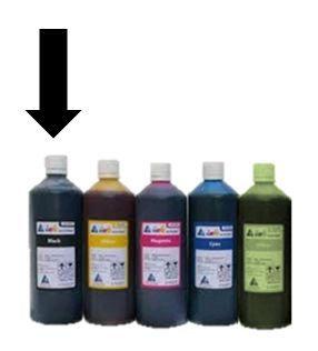 Inkoust černý  Koh-i-noor 1000gr Černý inkoust balený v 1000g plastové lahvičce určený do plnicích per a sloužící pro ruční psaní na papír. Vhodný jak pro malé školáky