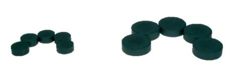 Magnety školní DUROX 16mm/6mm Klasické kovové magnety -v černé barvě -ve dvou průměrech (16 mm a 6 mm) - s úpravou proti poškrábání pozadí - vhodné například pro uchycení motivu na ploše popisovatelné tabule