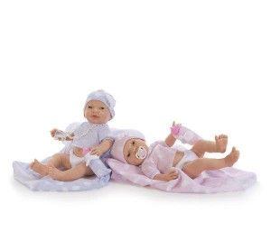 Panenka RECIEN NACIDO NUBE Plaváček holka 45cm Reálné miminko - novorozeně. Plaváček s detailně propracovaným tělíčkem. Je oblečen do kabátku a čepičky. Oblečení je laděno do světle modré barvy. Miminko se dá koupat